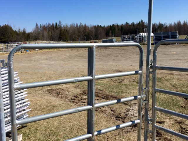 Porte barrière galvanisée